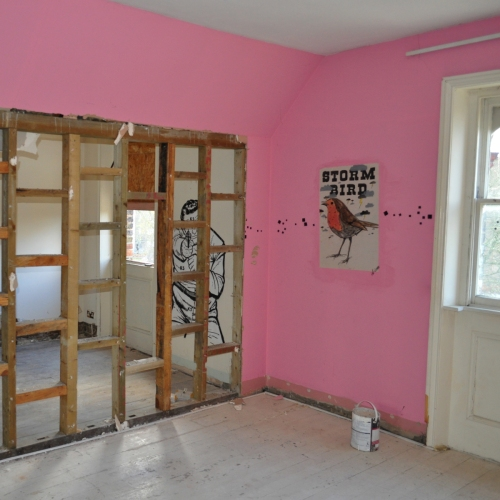 Pink room and 'Stand your ground'
